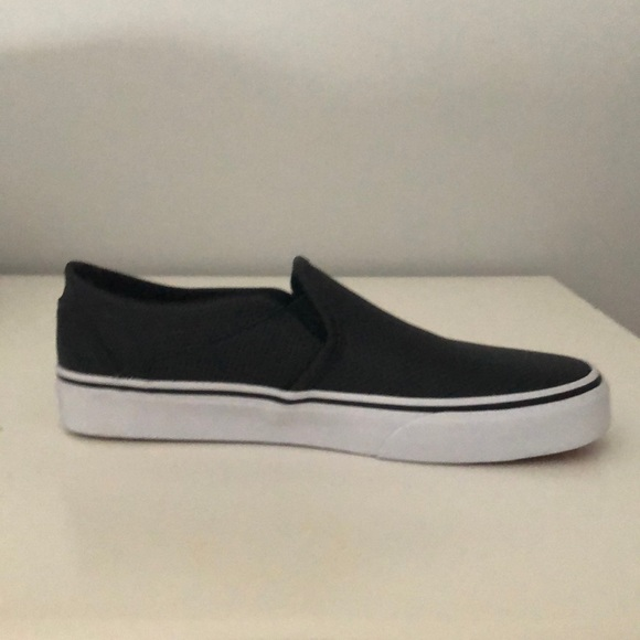 a3bfa2ceac400f Vans Asher Perf Leather Black Slip On Sneakers